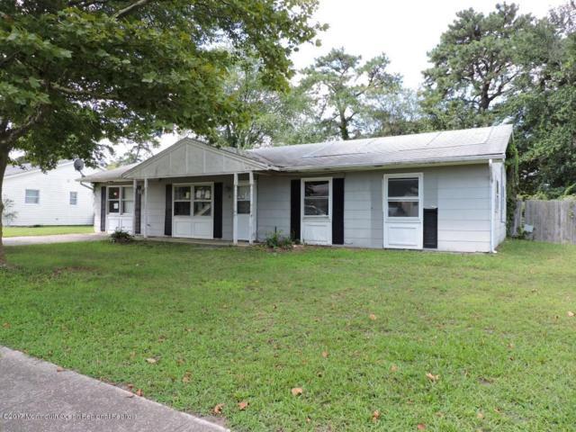10 Pomona Drive, Barnegat, NJ 08005 (MLS #21733439) :: The Dekanski Home Selling Team