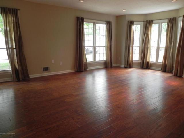 555 Manchester Place, Morganville, NJ 07751 (MLS #21733718) :: The Dekanski Home Selling Team