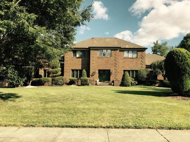 31 Apache Trail, Freehold, NJ 07728 (MLS #21734555) :: The Dekanski Home Selling Team