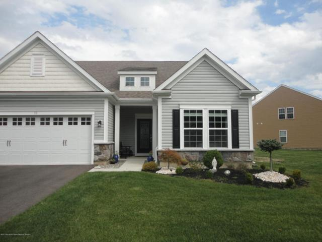33 W Chaucer Lane, Farmingdale, NJ 07727 (MLS #21736067) :: The Dekanski Home Selling Team