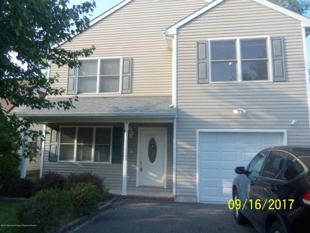17 Holmes Place, Middletown, NJ 07748 (MLS #21736493) :: The Force Group, Keller Williams Realty East Monmouth