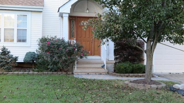 13 Danielle Way, Morganville, NJ 07751 (MLS #21738447) :: The Dekanski Home Selling Team