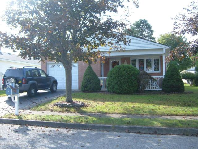 25 Lismore Drive, Toms River, NJ 08757 (MLS #21738962) :: The Dekanski Home Selling Team