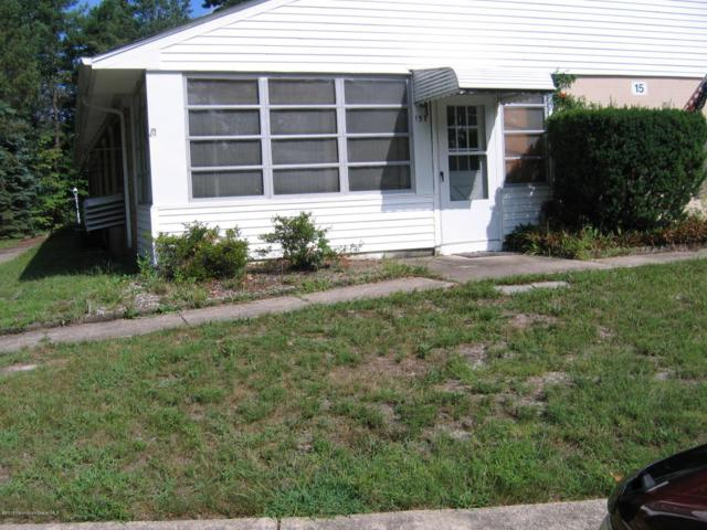15 Valley Stream Lane B, Whiting, NJ 08759 (MLS #21739072) :: The Dekanski Home Selling Team