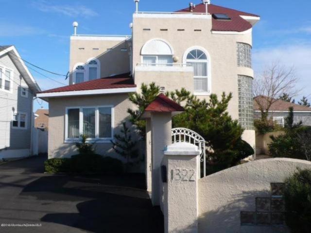 1322 Ocean Avenue, Point Pleasant Beach, NJ 08742 (MLS #21739776) :: The MEEHAN Group of RE/MAX New Beginnings Realty