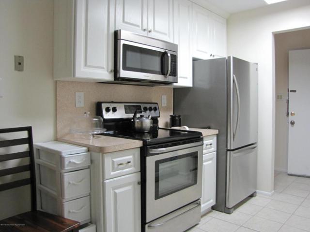 61 Amberly Drive E, Manalapan, NJ 07726 (MLS #21740002) :: The Dekanski Home Selling Team