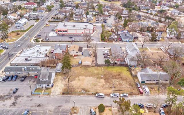 111 Ship Avenue, Beachwood, NJ 08722 (MLS #21740264) :: The MEEHAN Group of RE/MAX New Beginnings Realty
