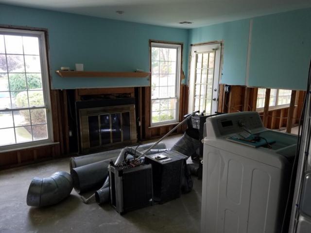 382 Hampton Place, Morganville, NJ 07751 (MLS #21742275) :: The Dekanski Home Selling Team