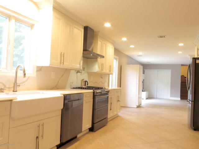 35 Brunswick Drive, Howell, NJ 07731 (MLS #21824035) :: The Dekanski Home Selling Team