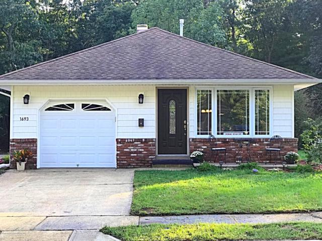 1693 Mount Everest Lane, Toms River, NJ 08753 (MLS #21840740) :: The Dekanski Home Selling Team