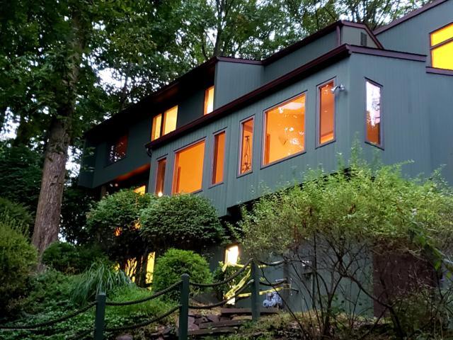 6 Longview Drive, Holmdel, NJ 07733 (MLS #21841247) :: Vendrell Home Selling Team