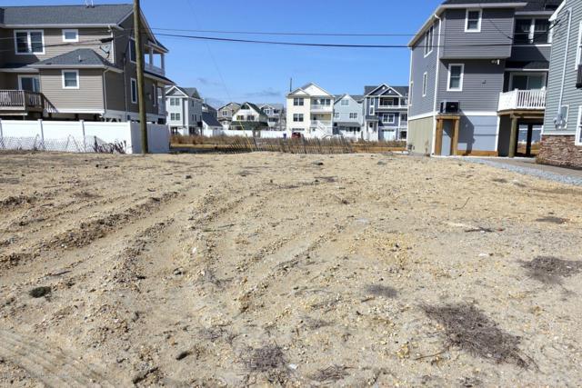 10 Surf Road B, Seaside Heights, NJ 08751 (MLS #21843744) :: The MEEHAN Group of RE/MAX New Beginnings Realty
