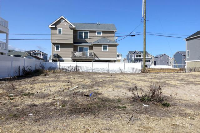 10 Surf Road A, Ortley Beach, NJ 08751 (MLS #21843745) :: The MEEHAN Group of RE/MAX New Beginnings Realty