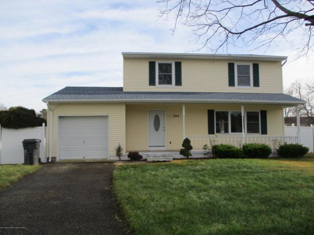 304 Pennington Court, Toms River, NJ 08753 (MLS #21846497) :: The MEEHAN Group of RE/MAX New Beginnings Realty