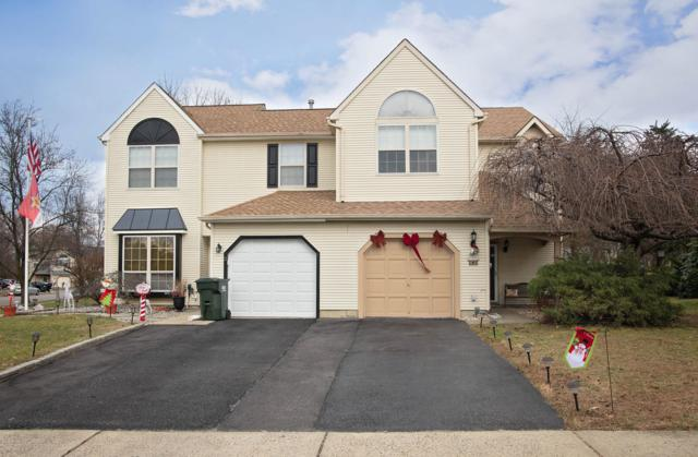 4 Fieldcrest Way, Freehold, NJ 07728 (MLS #21846556) :: The MEEHAN Group of RE/MAX New Beginnings Realty