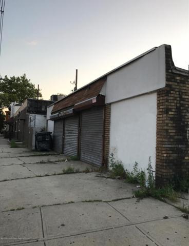 121 St Francis Street, Newark, NJ 07105 (MLS #21846574) :: The MEEHAN Group of RE/MAX New Beginnings Realty
