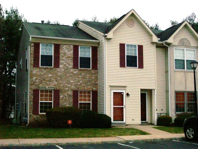1 Ambrose Lane, Holmdel, NJ 07733 (MLS #21847120) :: The Dekanski Home Selling Team