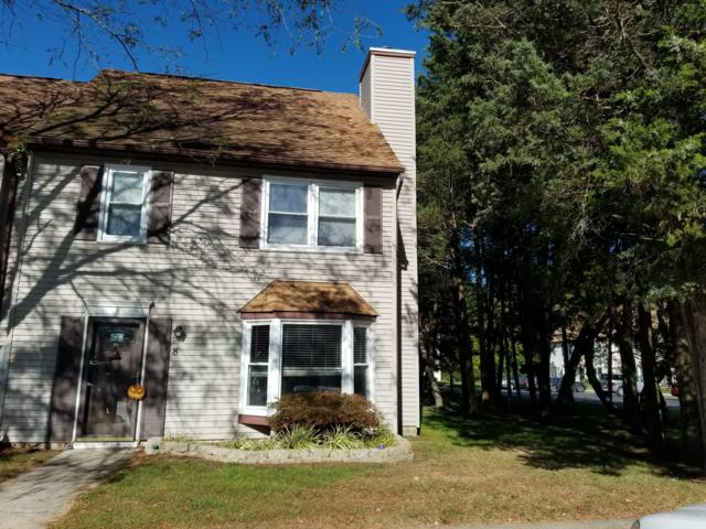 8 Colonial Court, Jackson, NJ 08527 (MLS #21847292) :: The MEEHAN Group of RE/MAX New Beginnings Realty