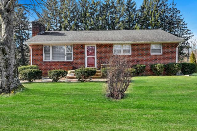 2 Lake Drive, Howell, NJ 07731 (MLS #21904719) :: The MEEHAN Group of RE/MAX New Beginnings Realty