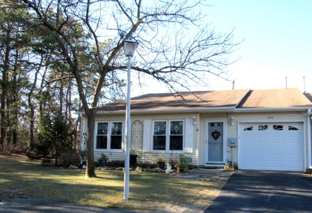 191 Victoria Court #1000, Lakewood, NJ 08701 (MLS #21905552) :: The MEEHAN Group of RE/MAX New Beginnings Realty