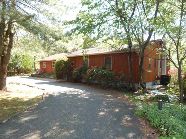 892 Holmdel Road, Holmdel, NJ 07733 (MLS #21906494) :: Vendrell Home Selling Team