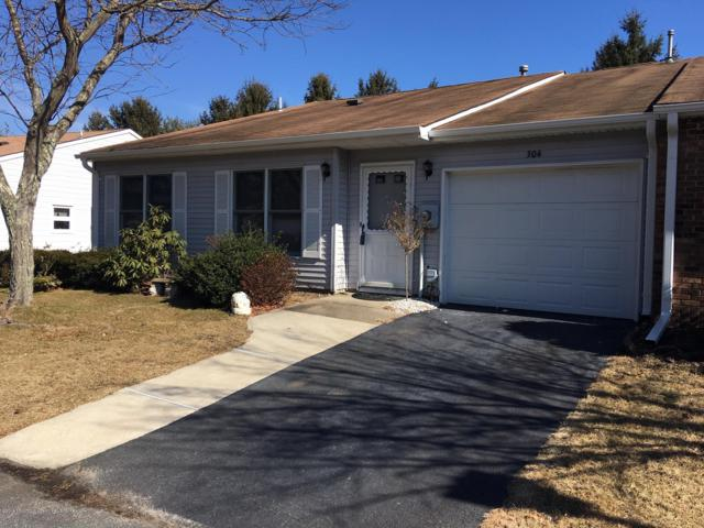 304 Joseph Drive, Lakewood, NJ 08701 (MLS #21906690) :: The MEEHAN Group of RE/MAX New Beginnings Realty