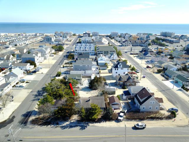 2105 Barnegat Avenue, South Seaside Park, NJ 08752 (MLS #21906740) :: The MEEHAN Group of RE/MAX New Beginnings Realty
