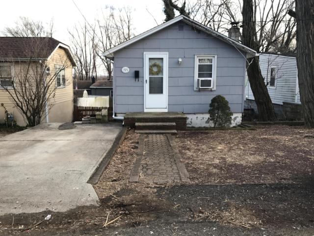 195 Hilltop Boulevard, Keyport, NJ 07735 (MLS #21906767) :: Vendrell Home Selling Team
