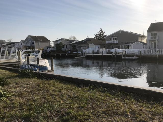 1625 Center Street, Point Pleasant, NJ 08742 (MLS #21907698) :: The MEEHAN Group of RE/MAX New Beginnings Realty