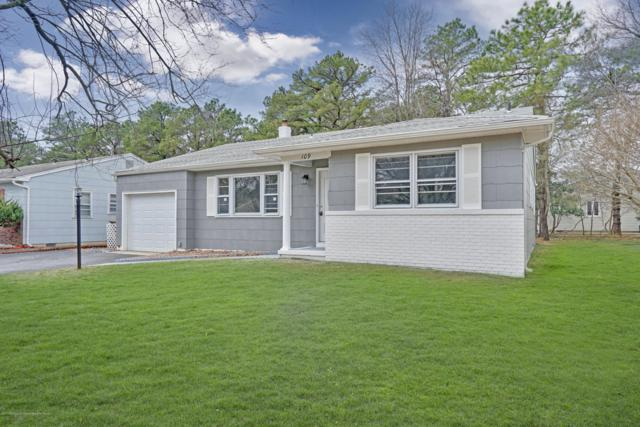 109 Castleton Drive, Toms River, NJ 08757 (MLS #21911723) :: The MEEHAN Group of RE/MAX New Beginnings Realty