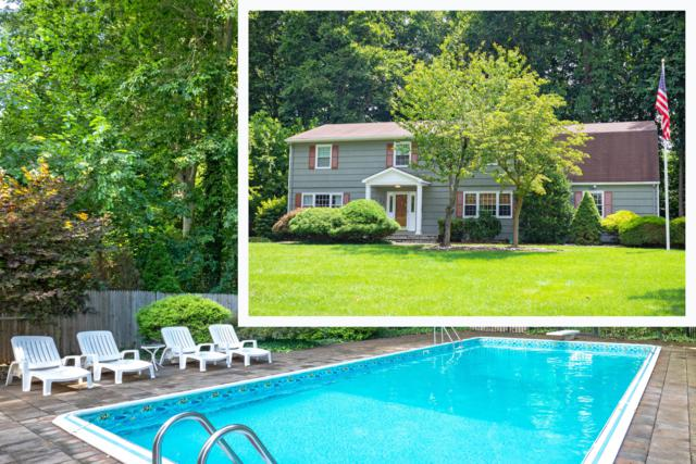 54 Hampton Drive, Freehold, NJ 07728 (MLS #21914229) :: The MEEHAN Group of RE/MAX New Beginnings Realty