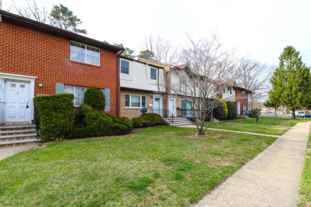 1302 Victoria Court, Brick, NJ 08724 (MLS #21914426) :: The MEEHAN Group of RE/MAX New Beginnings Realty