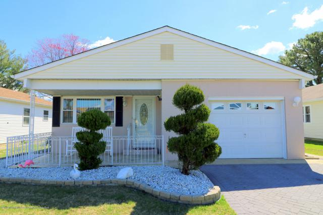 4 Ashcroft Lane, Toms River, NJ 08757 (MLS #21914620) :: The MEEHAN Group of RE/MAX New Beginnings Realty