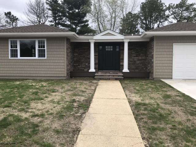 2 La Tourette Court, Toms River, NJ 08757 (MLS #21915398) :: The MEEHAN Group of RE/MAX New Beginnings Realty