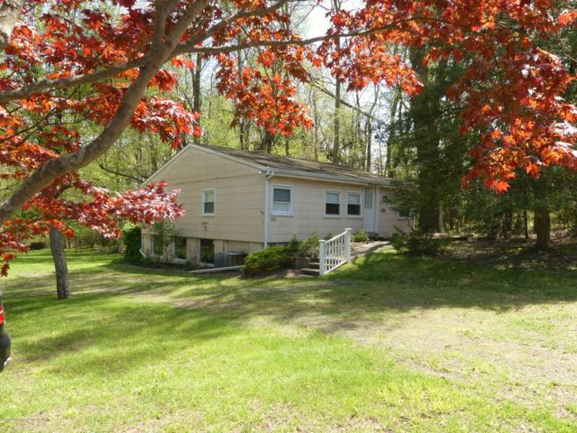 201 Colts Neck Road, Farmingdale, NJ 07727 (MLS #21917992) :: The Dekanski Home Selling Team