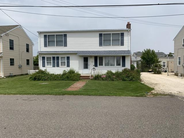 231 W 16th Street, Ship Bottom, NJ 08008 (MLS #21924260) :: The MEEHAN Group of RE/MAX New Beginnings Realty