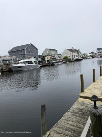 13 Carlyle Drive, Bayville, NJ 08721 (MLS #21924639) :: The MEEHAN Group of RE/MAX New Beginnings Realty