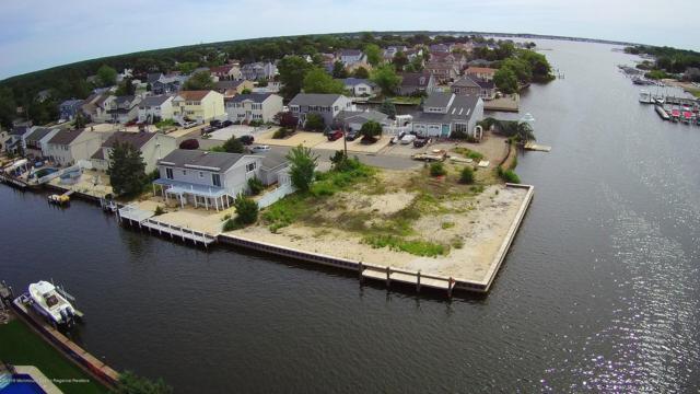 2 Homewood Drive, Brick, NJ 08723 (MLS #21924991) :: The MEEHAN Group of RE/MAX New Beginnings Realty