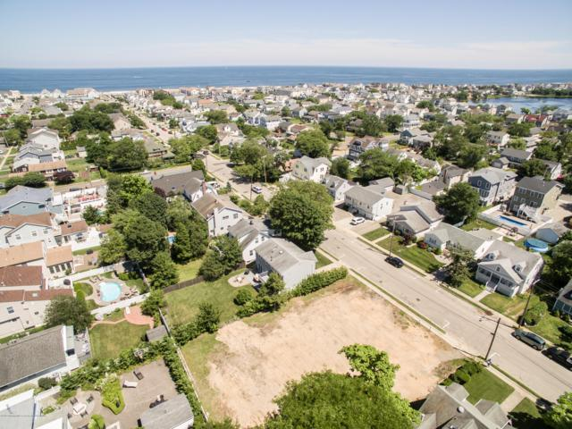 313 New Jersey Avenue, Point Pleasant Beach, NJ 08742 (MLS #21926655) :: The Dekanski Home Selling Team
