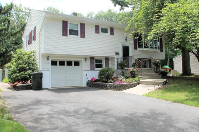 25 Nottingham Drive, Howell, NJ 07731 (MLS #21927531) :: The Dekanski Home Selling Team