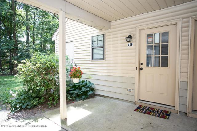 109 Daffodil Drive, Jackson, NJ 08527 (MLS #21927880) :: The MEEHAN Group of RE/MAX New Beginnings Realty