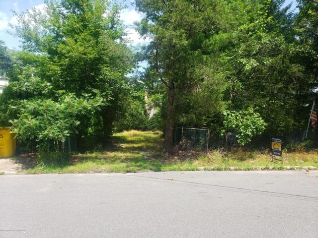 941 Woodland Drive, Lakewood, NJ 08701 (MLS #21928889) :: The Dekanski Home Selling Team