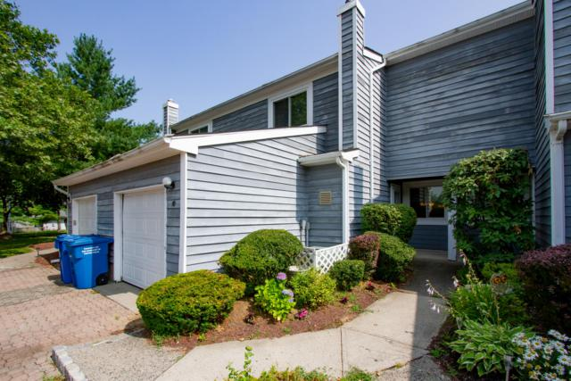 10 Spring Court, Tinton Falls, NJ 07724 (MLS #21929628) :: The MEEHAN Group of RE/MAX New Beginnings Realty