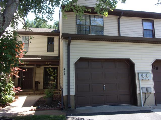437 Oak Knoll Drive 43-7, Manalapan, NJ 07726 (MLS #21929721) :: The MEEHAN Group of RE/MAX New Beginnings Realty