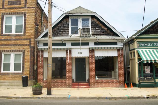 690 E Bay Avenue, Barnegat, NJ 08005 (MLS #21930048) :: The Dekanski Home Selling Team