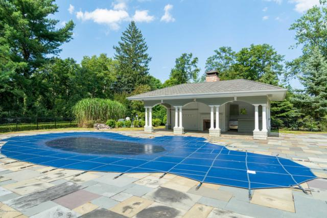 28 Carriage House Lane, Little Silver, NJ 07739 (MLS #21930842) :: William Hagan Group