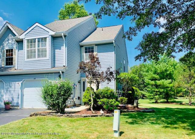 425 Dorchester Way, Manalapan, NJ 07726 (MLS #21931404) :: The MEEHAN Group of RE/MAX New Beginnings Realty