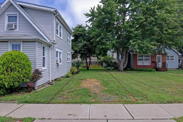 615 Central Avenue, Union Beach, NJ 07735 (MLS #21932245) :: The MEEHAN Group of RE/MAX New Beginnings Realty