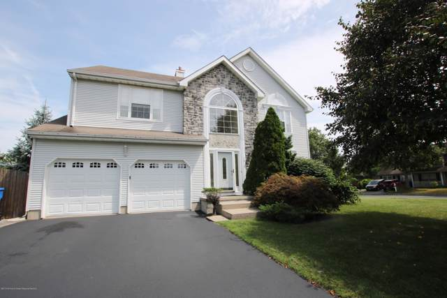 16 Little Rock Lane, Tinton Falls, NJ 07712 (MLS #21934470) :: The Sikora Group