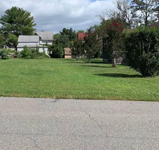 13 Center Street, Barnegat, NJ 08005 (MLS #21937764) :: The Dekanski Home Selling Team